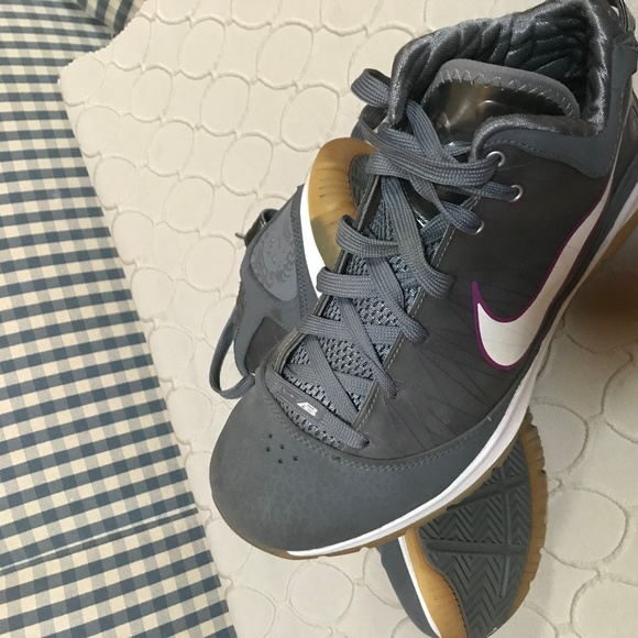 outlet store 0b6fa 5a5bf NIKE Womens Limited Ed Basketball (Lebron - Lion)